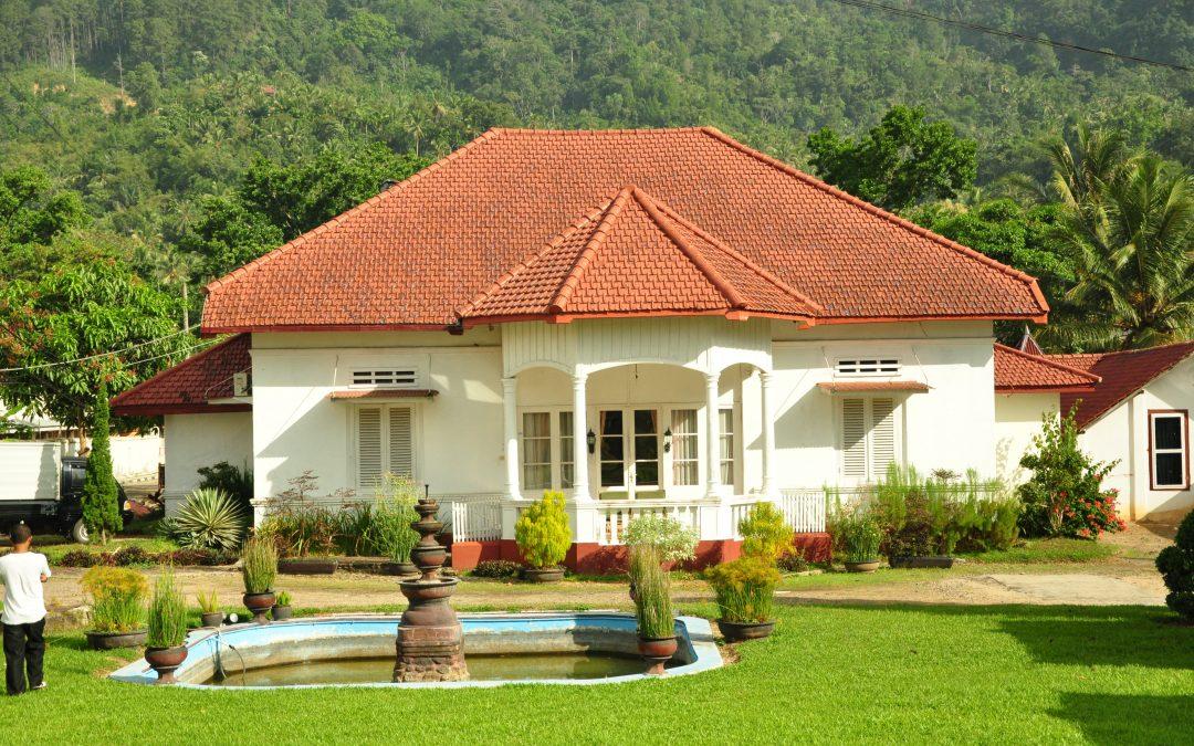 Rumah Kuno Belanda (Eksterior Hunian Bergaya Kolonial Belanda Yang Masih Ada Di Indonesia)