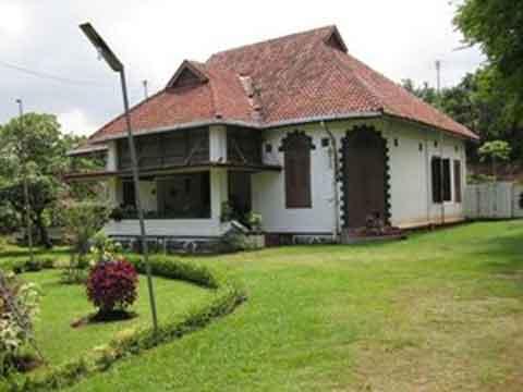 Desain Rumah Minimalis Gaya Belanda  rumah model kolonial kuno belanda yang masih ada di indonesia